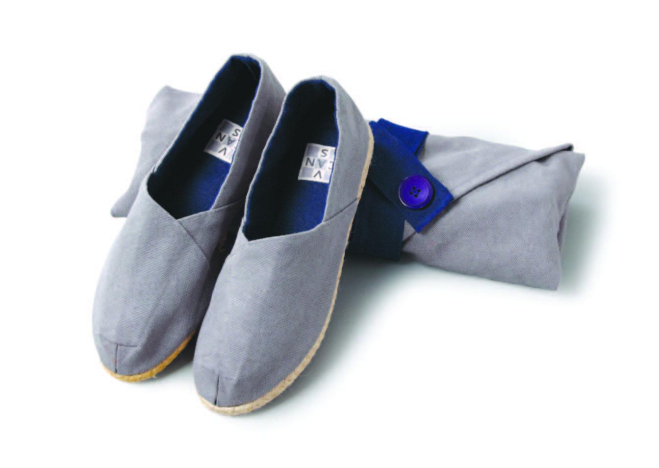 31-Slip-onSneakersMadeofHanjiFabric.jpg